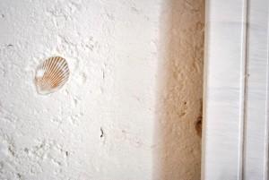 Le mura della TENUTA KYRIOS svelano tracce di ciò che fu.