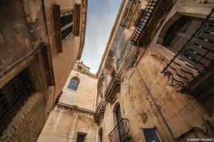 Lecce, vicoli alle spalle del Duomo _DSC0545 M © MAURO PALANO